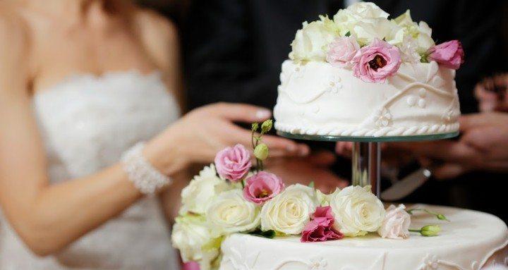 Wedding cake tips, Loving Invitations, wedding invitation suppliers, Ireland