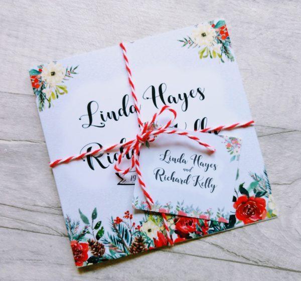 Red Romance Folding Wedding Invitation_photo